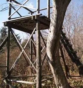 雨巻山、手作りの展望塔